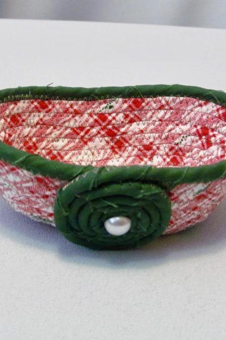 Small Red and Green Cotton Fabric Coil Bowl